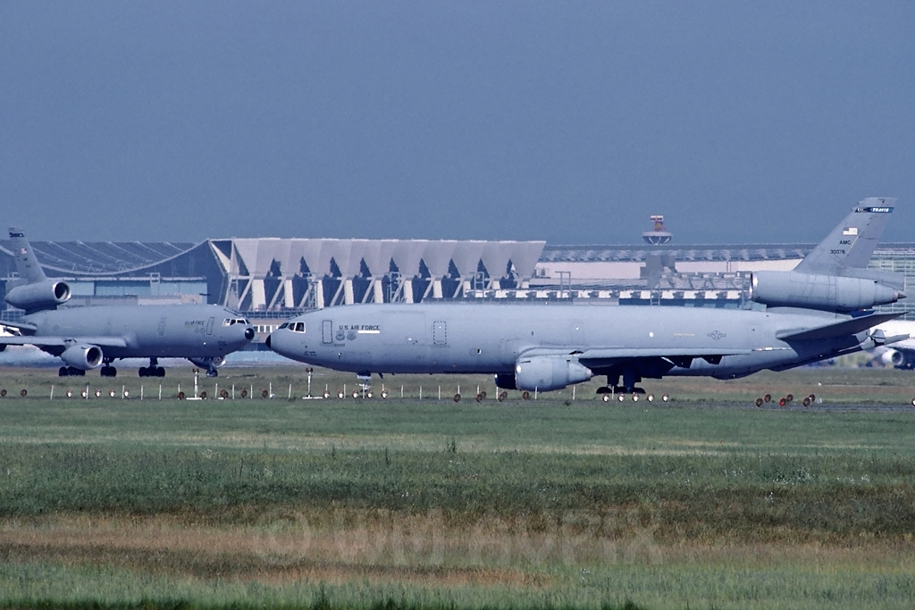 DC-10 in FRA - Page 2 J3dc10usaf3amctravis3svywk