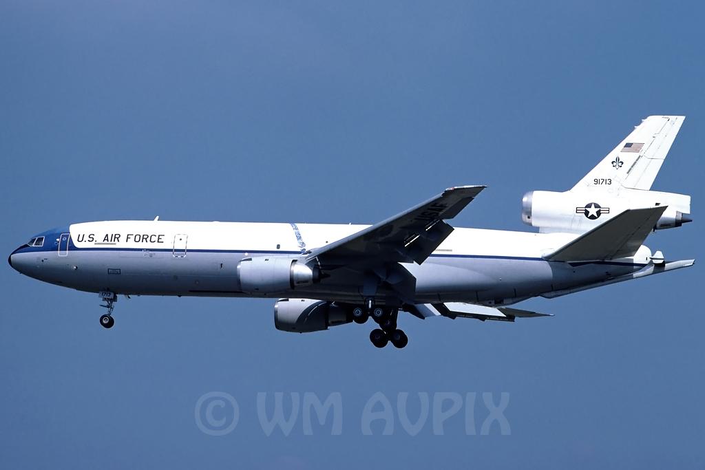 DC-10 in FRA - Page 2 J3dc10usaf91713pl0199l9m
