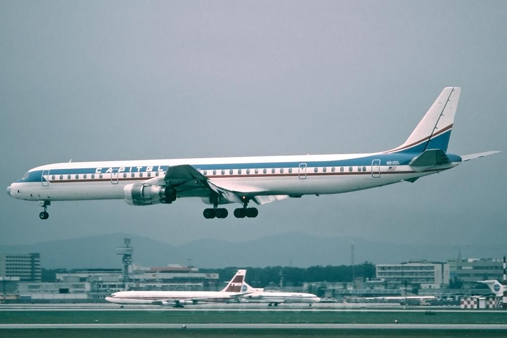 DC-8 in FRA - Page 3 J4dc8cl3nl61n912clpl04dxu8