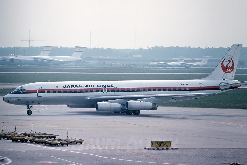 DC-8 in FRA - Page 3 J4dc8jlja8037pg0176zor