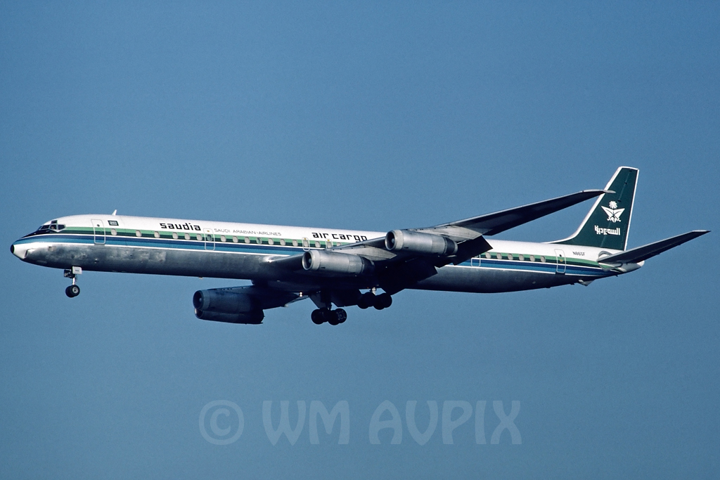 DC-8 in FRA - Page 2 J4dc8svcgon865fpl01q3cs4