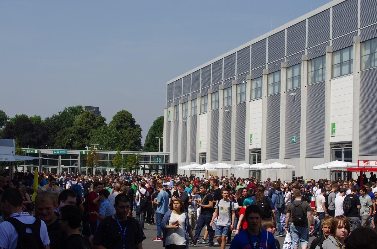 Erste Eindrücke von der Gamescon Köln Messe045izxb