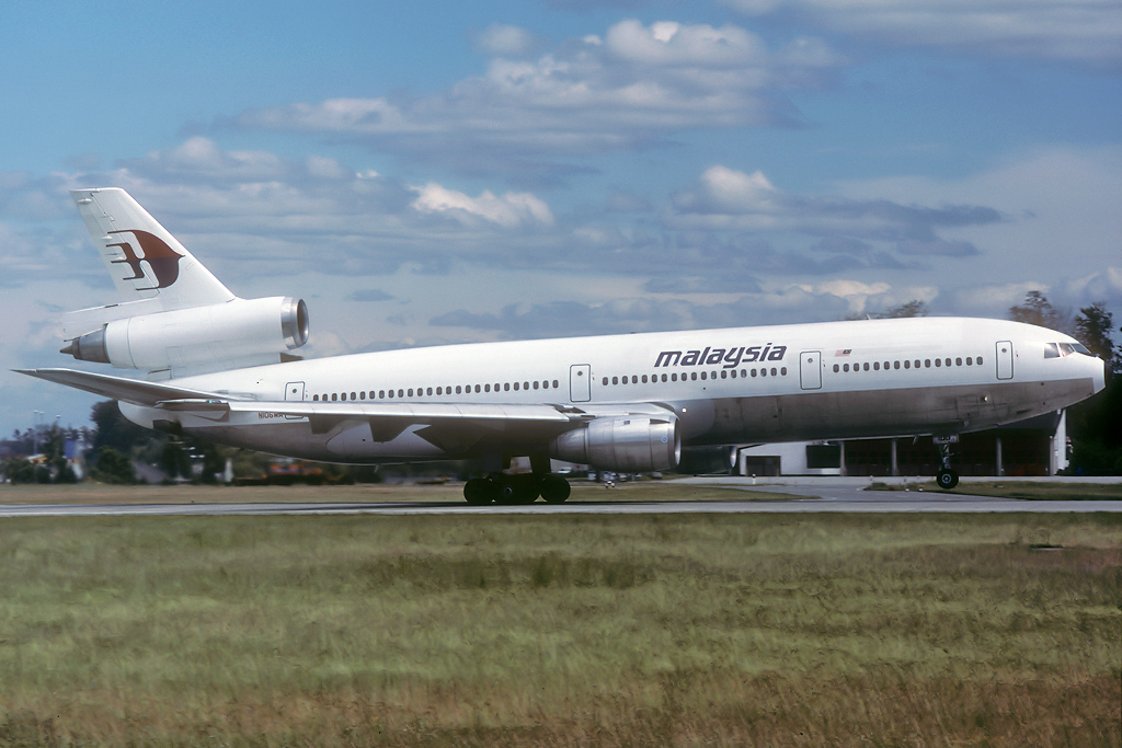DC-10 in FRA - Page 4 N106wa_27-06-91lpkyb