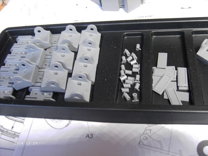 Minenräumer VsKfz 617 in 1:35 von Meng Pict3928guo6g