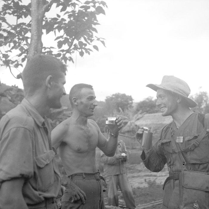 scènes de combat Tonk-51-163-r28j1c17