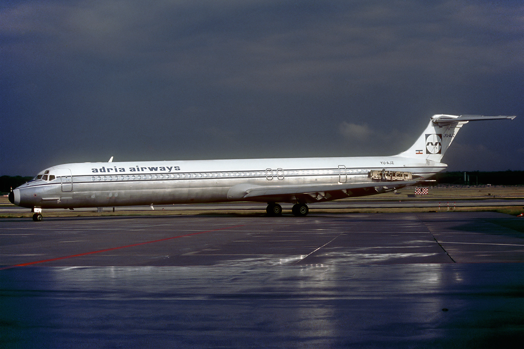 DC-9 in FRA - Page 3 Yu-ajz_03-06-89cvu6c