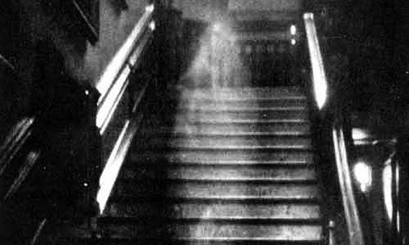 Ành tâm linh --- Những bức anh của oan hồn. (Coi tốt nhất lúc 21g) Ghost-3_510822a