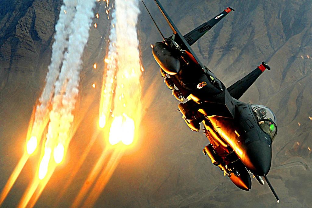 بوينغ F-15 النسر الصامت  - صفحة 2 F-15E-Strike-Eagle-weapons-1024x683