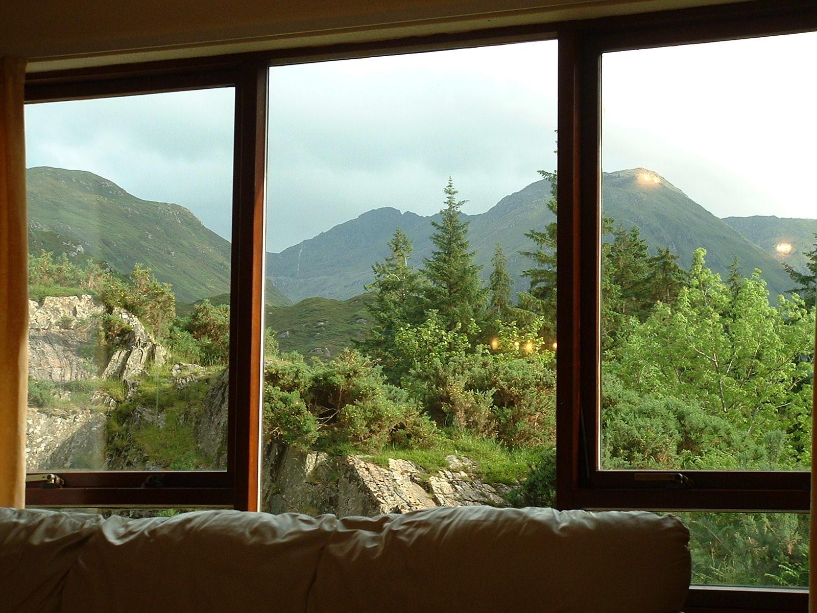 I prozori nam govore Lounge-window-view1