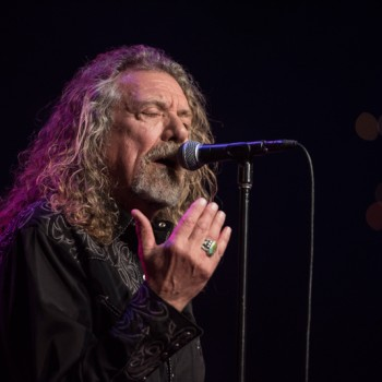 Robert Plant - Bluebirds Over the Mountain Robert-Plant-on-ACL-42-350x350
