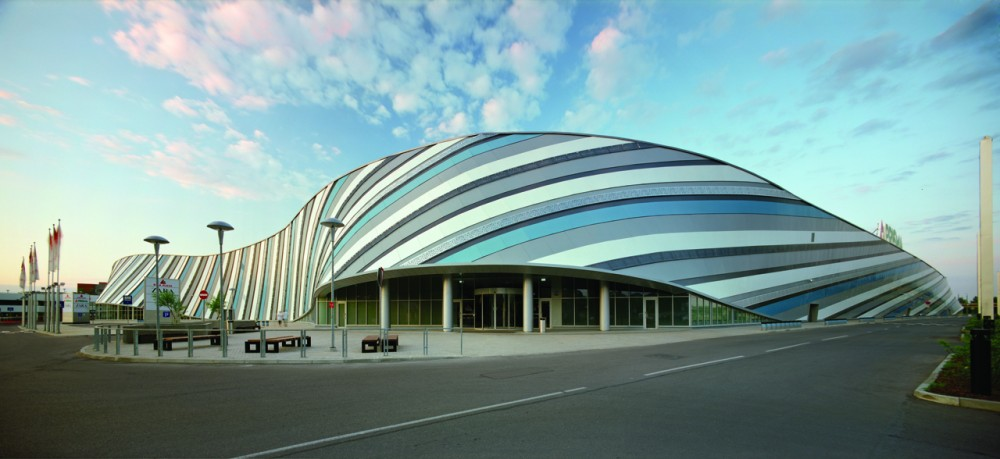 Moderna arhitektura - Page 2 1314996158-01-south-facade-entrance-1000x459