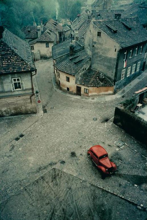 Stare kuće Franco-Fontana-.Praga-.1967