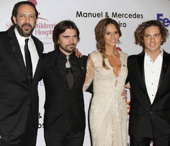 ¿Cuánto mide Juanes? - Altura - Real height - Página 3 Juanes-karen-bisbal