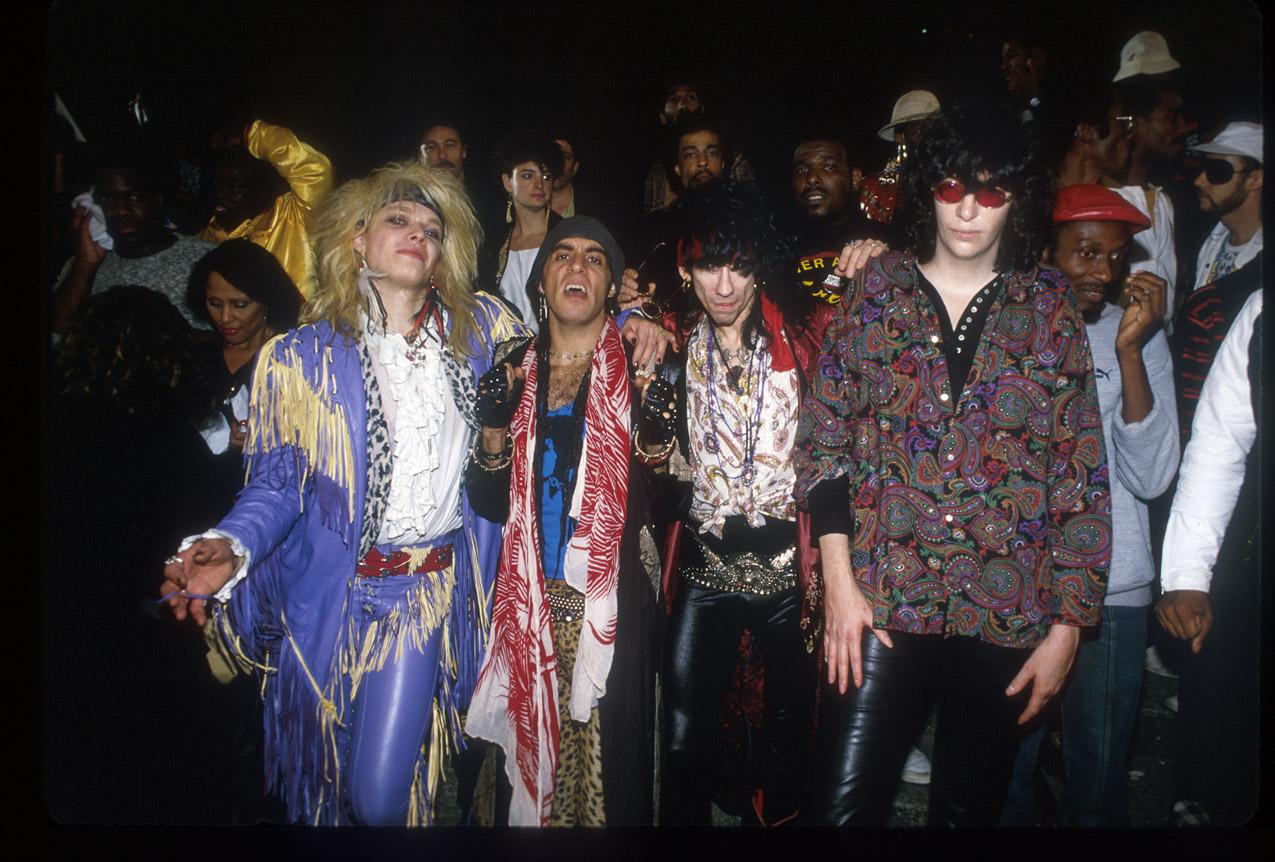 Tus fotos favoritas de los dioses del rock, o algo Monroe-van-zanzt-bators-ramone