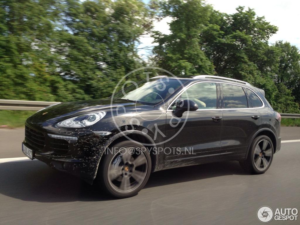 2014 - [Porsche] Cayenne Restylé [958] Porsche-cayenne-turbo-2015-mule-c921005052014164816_7