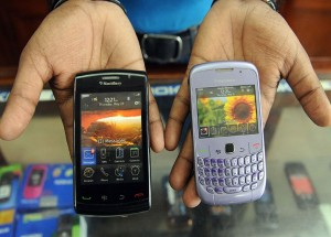 بلاك بيري بولد 9000 BlackBerry-300x215