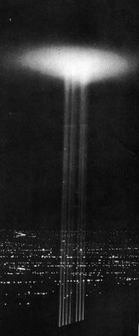 exhibicion especial Los-angeles-searchlights