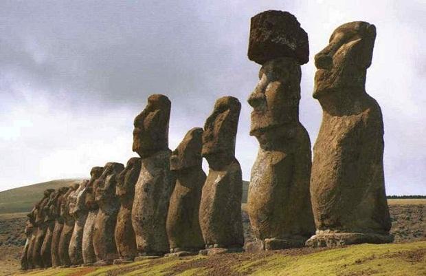 جزيرة القيامة .. الأكثر غرابة وعزلة في العالم Easter-Island-6