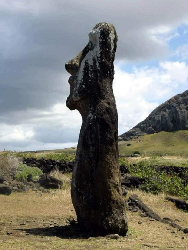 جزيرة القيامة .. الأكثر غرابة وعزلة في العالم Easter-Island-8
