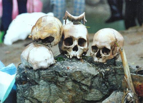 اكتشاف سر بحيرة الهياكل العظمية البشرية الغامضة!!!!!! Skeleton-Lake-4
