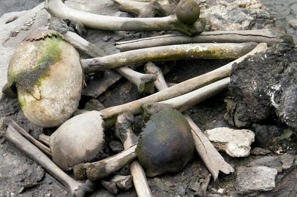 اكتشاف سر بحيرة الهياكل العظمية البشرية الغامضة!!!!!! The-skeleton-lake-of-roopkund-2