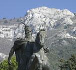 Monuments Monumenti_skenderbeut_kruje