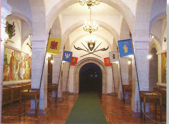 National Museum of Scanderbeg s Grave - Lezhe N_M_GJ_K_Scanderbeg2_big