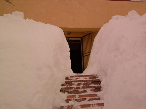Tunel për të hyrë në Gjykatën e Tropojës (FOTO LAJM) 11038