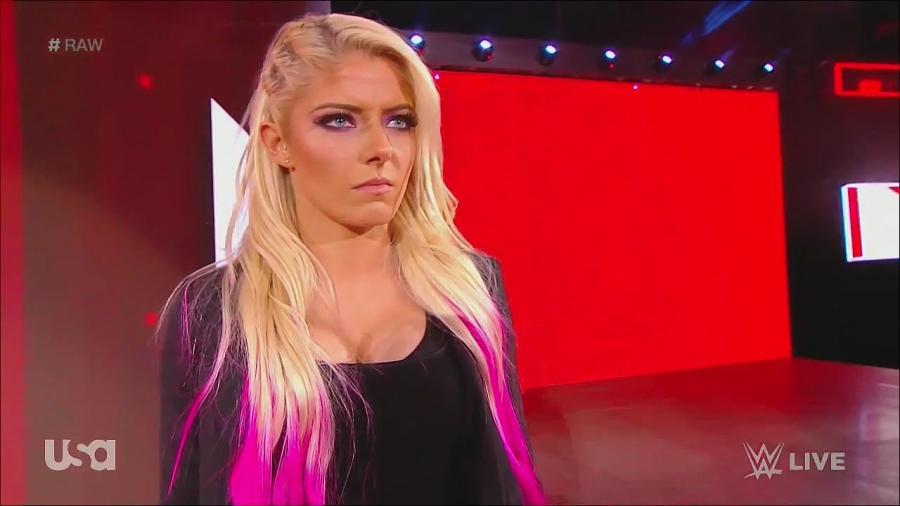 RÉSULTATS - WRESTLEMANIA 34 Normal_WWE_Monday_Night_Raw_2018_02_05_720p_HDTV_x264-NWCHD_mp4_002952277