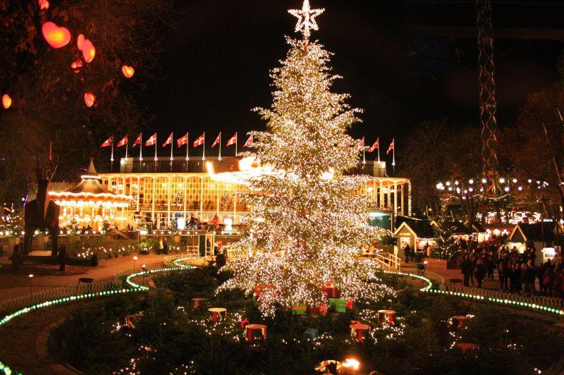 [Danemark] Tivoli Gardens (1843) Tivoli_Gardens_Christmas08_123
