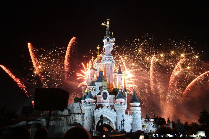 Feu d'artifice du 14 juillet (édition 2016 page 8) - Page 5 14_juillet_Disneyland_Chateau20