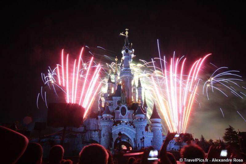 Feu d'artifice du 14 juillet (édition 2016 page 8) - Page 5 14_juillet_Disneyland_Chateau27