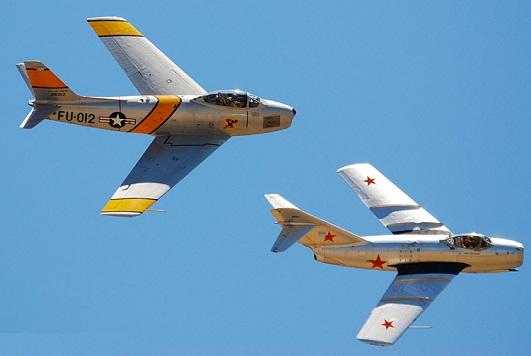 """هروب الطيار """"منير روفا"""" ليس كما روّجت له """"إسرائيل"""" F86sabre1.2"""