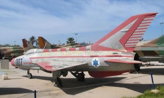 """هروب الطيار """"منير روفا"""" ليس كما روّجت له """"إسرائيل"""" Munir.RF.0"""