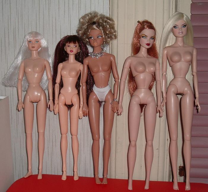 Comparaisons corps fashion dolls: images & liens Bodycomparisons