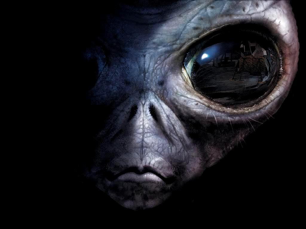 Pildijaht - Page 2 Alien-Zoom-HD