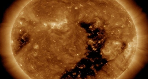 More Signs In The Sun, Moon And Stars - Earthquake Warning, Coronal Hole and Solar Winds Coronal_hole