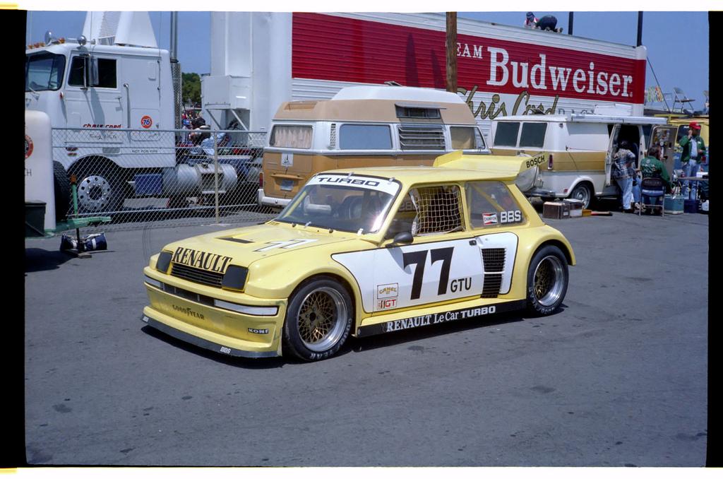 Videoita ja kuvia - Sivu 11 Renault-5-turbo-gtu-racing-imsa-le-car-7