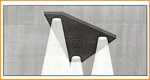 2011: le 24/08 à 3-4h - Ovni en Forme de triangle - Brugheas (03)  - Page 3 Tribelg1_gf