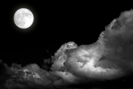 SI LA VAS A JUZGAR CORAZON, NUNCA PIENSES QUE ELLA ES MALA - Página 3 Luna-noche