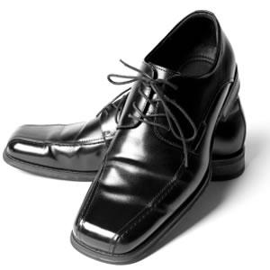 تجهيزاات العريس السعودي لليلة العمر Mens-shoes_965832
