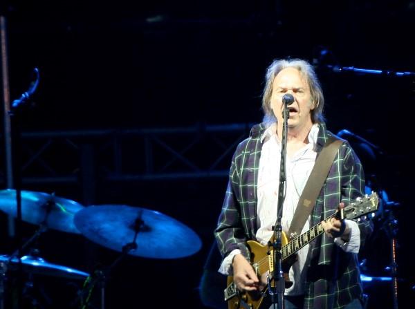 Legendary Rocker Neil Young Will Release an Entire Album to Boycott Monsanto Neil-youngg