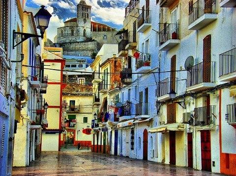 Rincones para soñar Ibiza-puerto-y-sus-calles