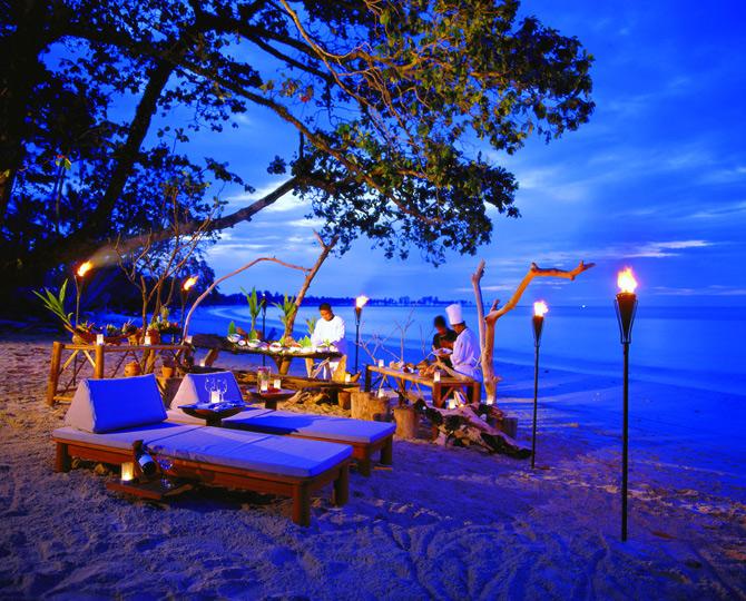 Top 10 ideja za romantično veče  The_Sarojin_Hotel_Thailand_