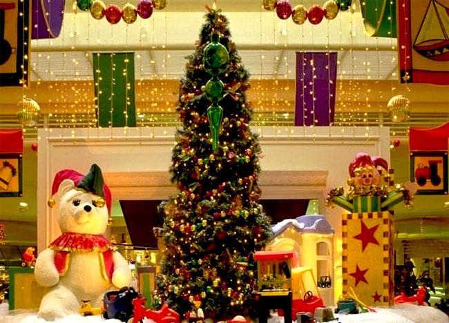 Urime Krishtëlindjet dhe Vitin e ri 2016 Beautiful_christmas_tree_pictures_14