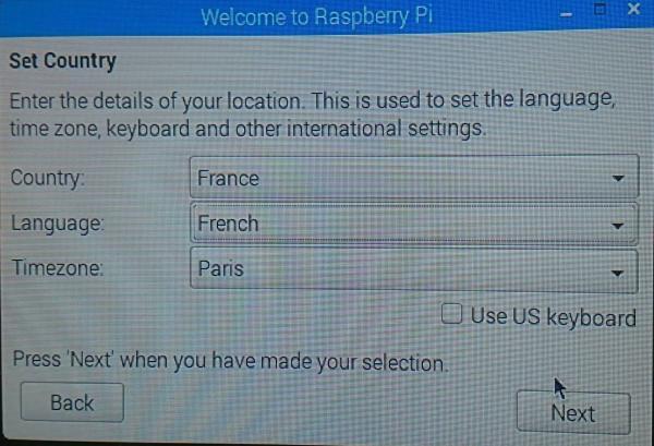 Clé USB DVstick 30 de DVMEGA en serveur sur Raspberry Pi : Configuration et matériel nécessaire Raspi-02