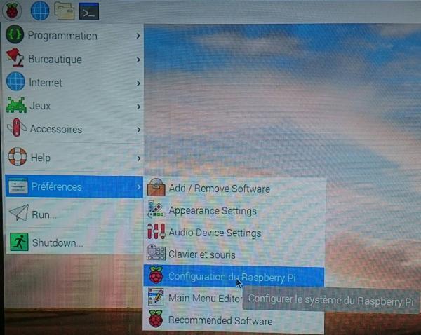 Clé USB DVstick 30 de DVMEGA en serveur sur Raspberry Pi : Configuration et matériel nécessaire Raspi-07