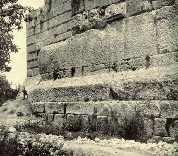 Here comes the Sun - Pagina 8 Baalbek-old-photo