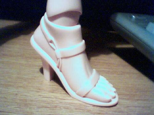 bjd de 70 cm - Page 2 Pied_chaussure_01