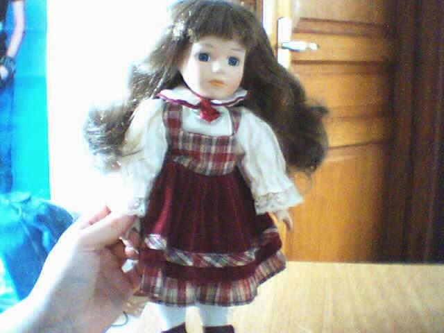 Les poupées en porcelaine... 180736